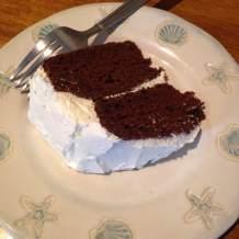 chocolate cake slises